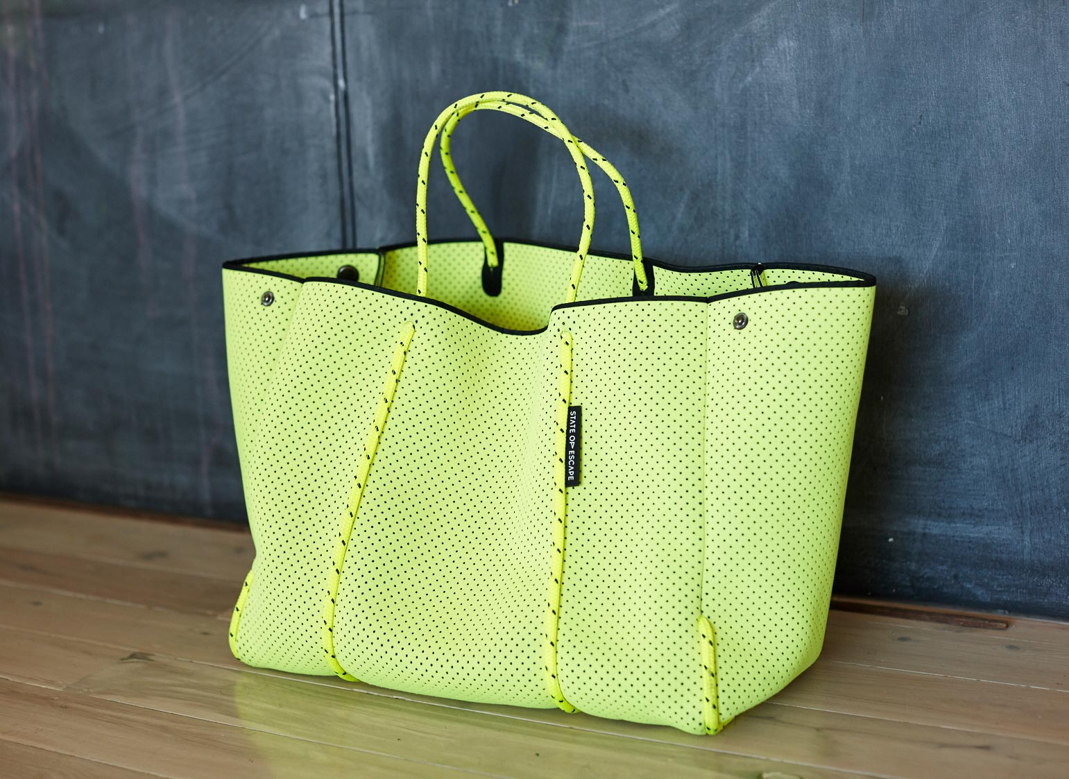 State_of_escape yellow bag_01_182
